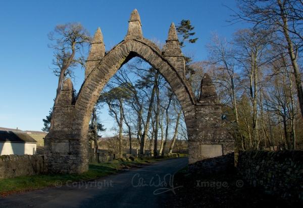 Lauder arch (1)
