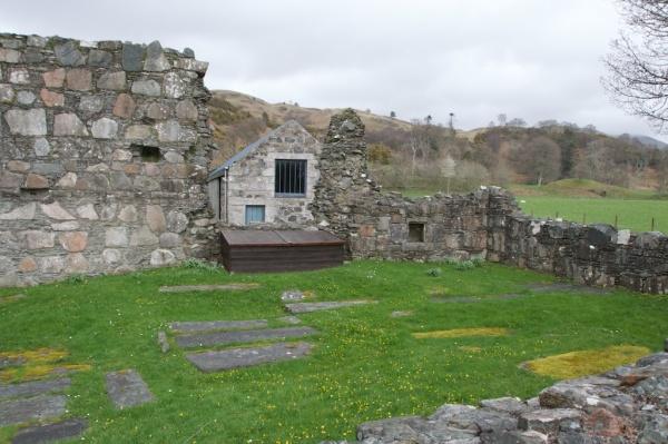 Ardchattan - MacDougall tomb