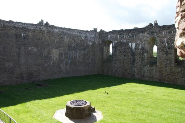 Doune courtyard