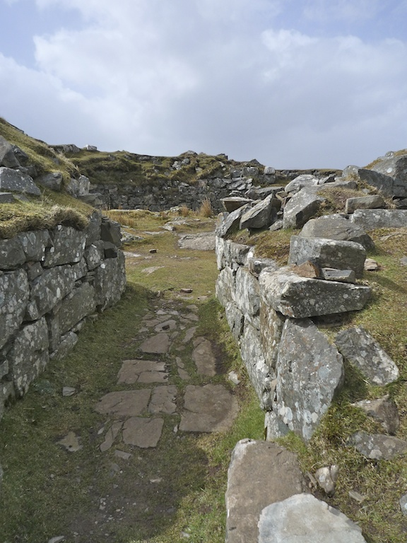 Dun Beag - entrance