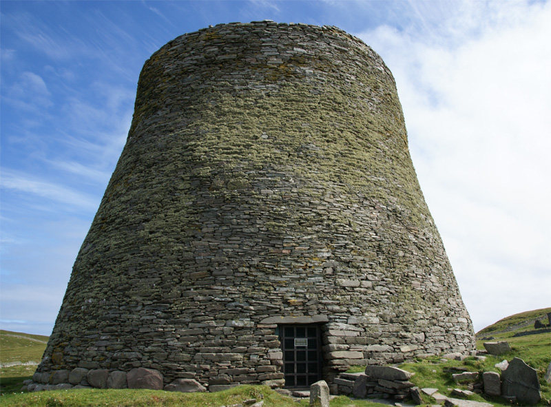 Mousa Broch, Shetland (photo via Wikimedia)