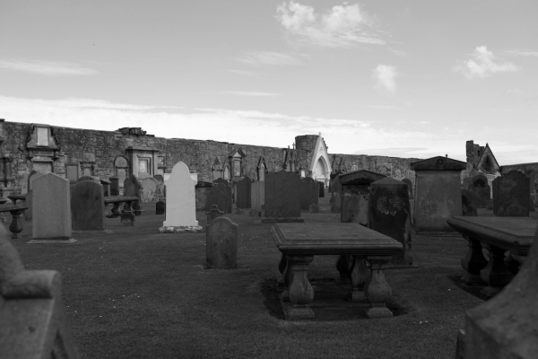 St Andrews graveyard (2)