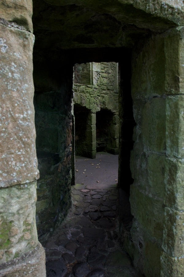 Entrance to Glassin Tower