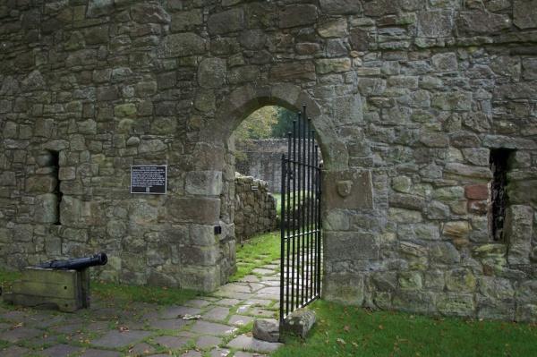 Loch Leven Castle (Jo) 47