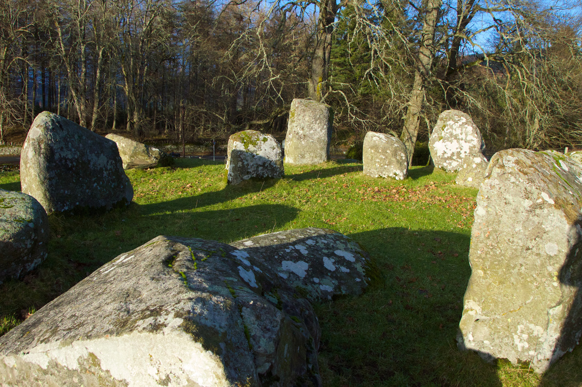 Inner circle with recumbent stone (centre) and one of the outer recumbent stones (foreground)