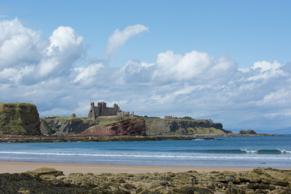 Tantallon seen from Seacliff beach