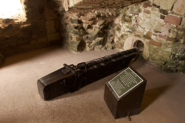 Replica of a gun used in the 1528 siege
