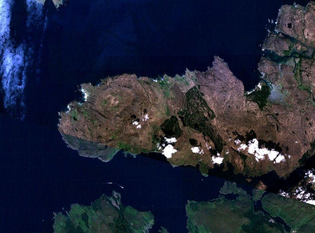 NASA Landsat 7 image, via Wikimedia