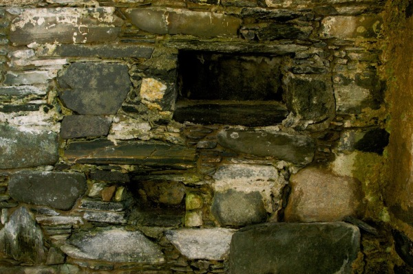 Keills chapel - aumbries
