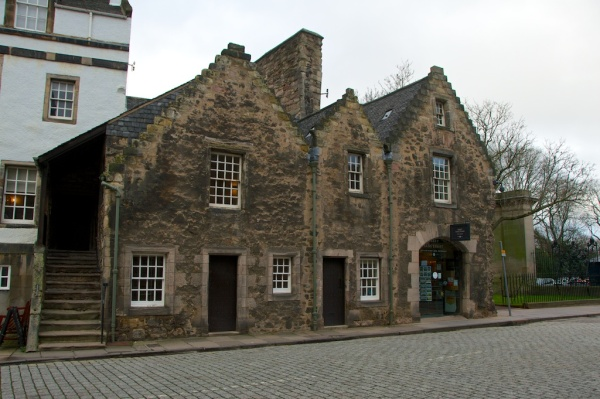 Holyrood House (J) 19