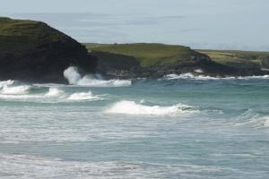 Waves on Eoropie beach 13