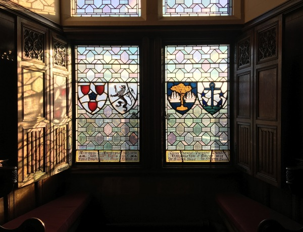 edinburgh-castle-window